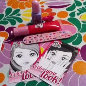 Very Bella Nail Polish and Lipgloss