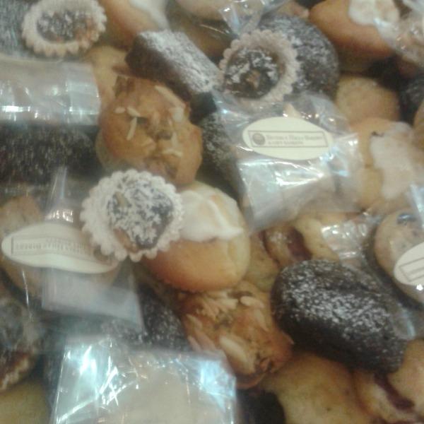 BlogFest cakes